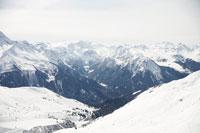 Snow covered mountains 11015181595| 写真素材・ストックフォト・画像・イラスト素材|アマナイメージズ