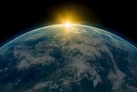 Sunrise over planet earth 11015205341| 写真素材・ストックフォト・画像・イラスト素材|アマナイメージズ