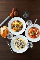 Still life with selection of spaghetti dishes 11015227399| 写真素材・ストックフォト・画像・イラスト素材|アマナイメージズ