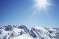View of snow covered mountain range, Hochgurgi, Austria 11015242866| 写真素材・ストックフォト・画像・イラスト素材|アマナイメージズ