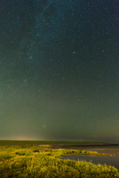 Dyke and mudflats on island of Ameland, Waddensea, Friesland, Netherland 11015296224| 写真素材・ストックフォト・画像・イラスト素材|アマナイメージズ