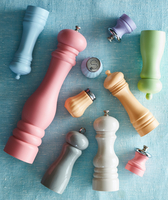 Pepper mills in different shapes, sizes and colours