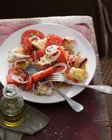 Tomato and bread salad 11015303199| 写真素材・ストックフォト・画像・イラスト素材|アマナイメージズ