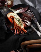 Lobster and steak, surf and turf, close-up 11015304341| 写真素材・ストックフォト・画像・イラスト素材|アマナイメージズ