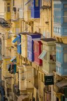 Traditional balconies, Valletta, Malta 11015305062| 写真素材・ストックフォト・画像・イラスト素材|アマナイメージズ
