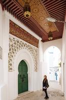 Woman exploring, Kasbah, Tangier, Morocco, North Africa 11015313271| 写真素材・ストックフォト・画像・イラスト素材|アマナイメージズ