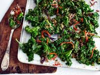 Kale, chilli and coconut side dish 11015313404| 写真素材・ストックフォト・画像・イラスト素材|アマナイメージズ