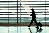 Business Man in airport 11015321143| 写真素材・ストックフォト・画像・イラスト素材|アマナイメージズ
