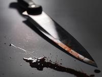 Close up of bloody knife 11015322868| 写真素材・ストックフォト・画像・イラスト素材|アマナイメージズ