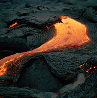A lava flow at an active volcano in Hawaii Volcanoes National Park, Hawaii, USA 11015324578| 写真素材・ストックフォト・画像・イラスト素材|アマナイメージズ