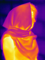 Thermal image profile view of muslim woman wearing hijab 11015325253| 写真素材・ストックフォト・画像・イラスト素材|アマナイメージズ
