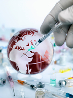 Doctor injecting globe with vaccine to illustrate a cure for a global pandemic 11015325343| 写真素材・ストックフォト・画像・イラスト素材|アマナイメージズ