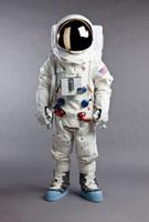 A portrait of an astronaut, studio shot 11016020224| 写真素材・ストックフォト・画像・イラスト素材|アマナイメージズ