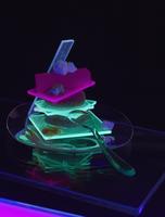 Close-up of illuminated food served on table against black background 11016033385| 写真素材・ストックフォト・画像・イラスト素材|アマナイメージズ