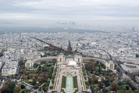 Aerial view of residential district and Palais de Chaillot seen from Eiffel Tower 11016033631| 写真素材・ストックフォト・画像・イラスト素材|アマナイメージズ
