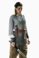 Injured woman wearing chain mail holding sword against white background 11016033657| 写真素材・ストックフォト・画像・イラスト素材|アマナイメージズ