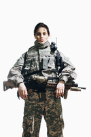 Portrait of army soldier standing with rifle against white background 11016033658| 写真素材・ストックフォト・画像・イラスト素材|アマナイメージズ