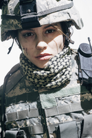 Portrait of army soldier wearing helmet standing against white background 11016033668| 写真素材・ストックフォト・画像・イラスト素材|アマナイメージズ