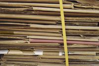 Stack of folded cardboard 11016035373| 写真素材・ストックフォト・画像・イラスト素材|アマナイメージズ
