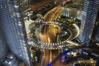 High angle view of illuminated highway amidst city buildings at night, Las Vegas, Nevada, USA 11016035445  写真素材・ストックフォト・画像・イラスト素材 アマナイメージズ