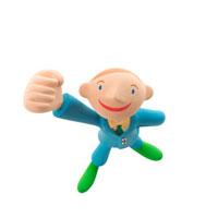 手をグーにして片手を上げる男の子 クラフト 11017000006| 写真素材・ストックフォト・画像・イラスト素材|アマナイメージズ