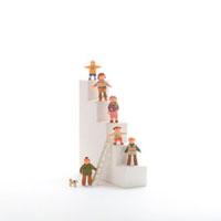 階段と人々のオブジェ クラフト
