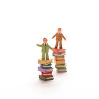 本と人のオブジェ クラフト 11017000124  写真素材・ストックフォト・画像・イラスト素材 アマナイメージズ