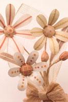 ダンボールで作った花束 クラフト 11017000584| 写真素材・ストックフォト・画像・イラスト素材|アマナイメージズ