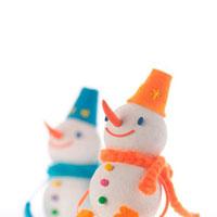 オレンジと青の雪だるま クラフト 11017001254| 写真素材・ストックフォト・画像・イラスト素材|アマナイメージズ