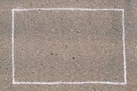 チョークで地面に書いたフレーム