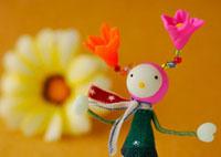 花の妖精のクラフト 11017001736| 写真素材・ストックフォト・画像・イラスト素材|アマナイメージズ