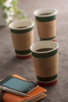 コーヒーとビジネス小物 11017003275| 写真素材・ストックフォト・画像・イラスト素材|アマナイメージズ