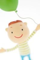 風船を持つ男の子のクラフト