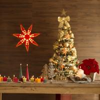 クリスマスグッズを飾りつけた部屋