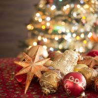 オーナメントとクリスマスツリー 11017015519  写真素材・ストックフォト・画像・イラスト素材 アマナイメージズ