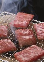 焼き肉から上る煙