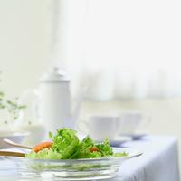 野菜サラダと朝食