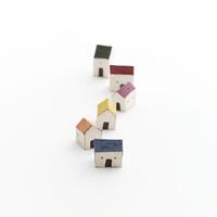 1列に並ぶ家 クラフト 11017018679| 写真素材・ストックフォト・画像・イラスト素材|アマナイメージズ