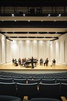 Conductor directing choir on stage 11018049323| 写真素材・ストックフォト・画像・イラスト素材|アマナイメージズ