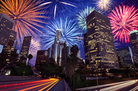 Fireworks exploding over downtown Los Angeles, California, United States 11018051113| 写真素材・ストックフォト・画像・イラスト素材|アマナイメージズ