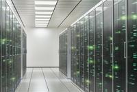 Cabinets of servers in office server room 11018055246| 写真素材・ストックフォト・画像・イラスト素材|アマナイメージズ