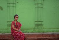 Asian woman wearing traditional clothing 11018056080| 写真素材・ストックフォト・画像・イラスト素材|アマナイメージズ
