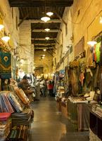 Fabric for sale in market 11018071860| 写真素材・ストックフォト・画像・イラスト素材|アマナイメージズ