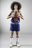 Mixed race basketball player holding basketball 11018074691  写真素材・ストックフォト・画像・イラスト素材 アマナイメージズ