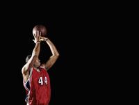 African basketball player shooting basketball 11018074733  写真素材・ストックフォト・画像・イラスト素材 アマナイメージズ