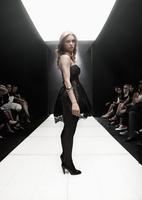 Caucasian model on runway in fashion show 11018078747| 写真素材・ストックフォト・画像・イラスト素材|アマナイメージズ