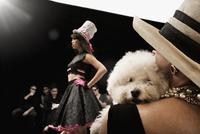 Chinese model on runway in fashion show 11018078753| 写真素材・ストックフォト・画像・イラスト素材|アマナイメージズ