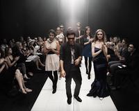 Models on runway in fashion show 11018078787| 写真素材・ストックフォト・画像・イラスト素材|アマナイメージズ