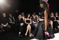 Chinese model on runway in fashion show 11018078794| 写真素材・ストックフォト・画像・イラスト素材|アマナイメージズ