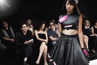 Chinese model on runway in fashion show 11018078795| 写真素材・ストックフォト・画像・イラスト素材|アマナイメージズ